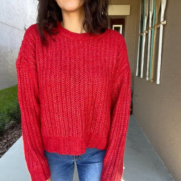 Oversized Cropped Red AE Cable Sweater - S